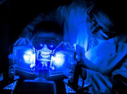 Aufnahme aus einem Labor von Oral-B in Kronberg, aufgenomen am 16.09.2010. Foto: Frank Rumpenhorst