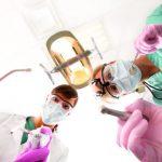 Wypełnianie ubytków a bezpieczeństwo pracy w stomatologii